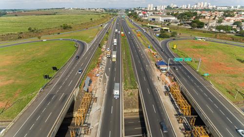 Obras de Arte Especiais com Estruturas Pré-fabricadas na Rodovia D. Pedro I (SP-065)